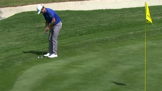 Brandt Snedeker sinks birdie putt from the fringe at WGC-Mexico