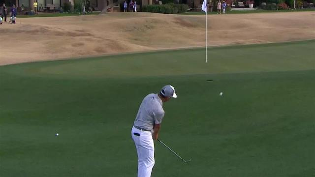 Rickie Fowler gets up-and-down for birdie at The American Express