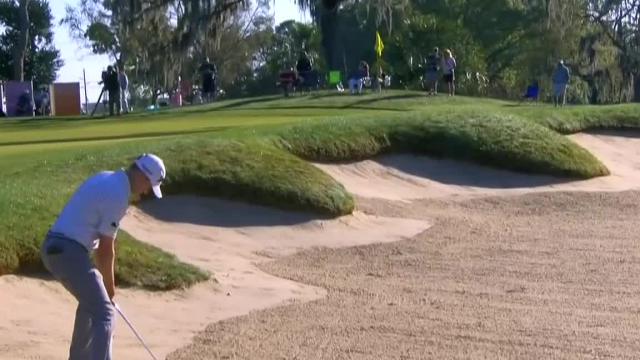 Russell Knox's great bunker shot leads to birdie at Valspar