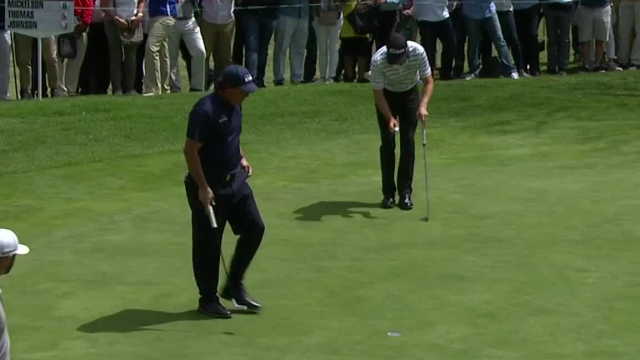 Phil Mickelson's drains birdie putt from the fringe at WGC-Mexico