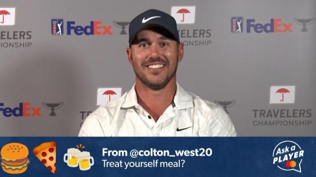 What meals do players treat themselves to after great rounds or a win?