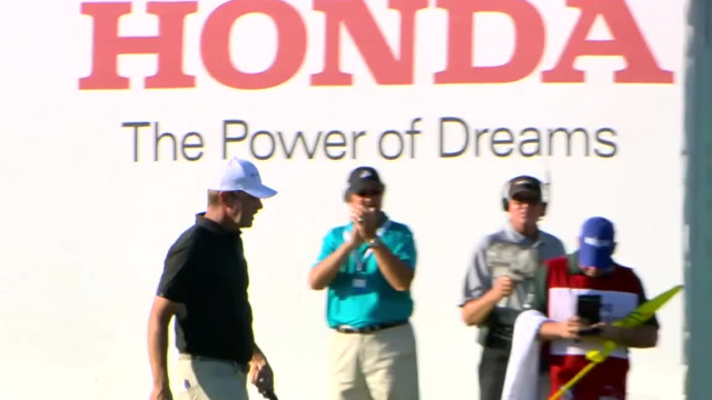 Lucas Glover drains 31-footer for birdie at Honda