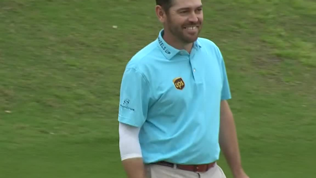 Louis Oosthuizen sinks a 23-foot birdie on No. 17 at WGC-Match Play