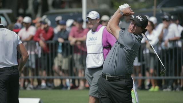 Phil Mickelson's pre-round warm-up routine