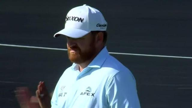 J.B. Holmes sinks long birdie putt from the fringe at Genesis