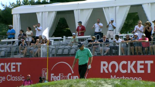 Today's Top Plays: Charles Howell's spectacular bunker Hole-out is Shot of the Day