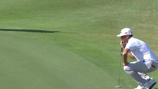 Gary Woodland sinks 15-footer for birdie at Hero