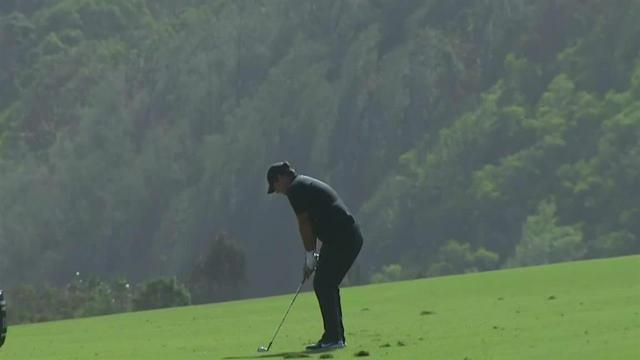 Patrick Reed uses nice approach to set up birdie at Sentry