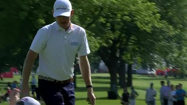 Brandt Snedeker drains 15-foot birdie putt at Rocket Mortgage