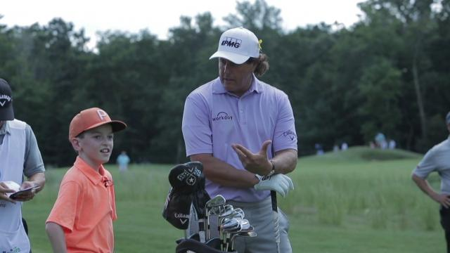 Phil Mickelson fan interactions