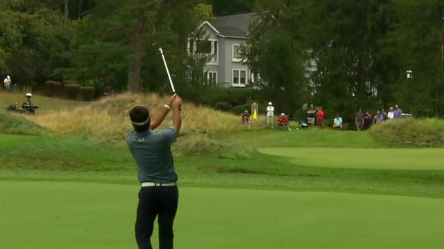 Bubba Watson pulls the string to set up birdie at The Greenbrier