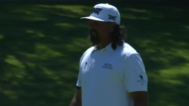 Pat Perez sinks birdie putt from the fringe at Charles Schwab