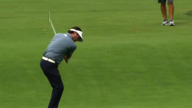 Bubba Watson chips in for eagle at The Greenbrier