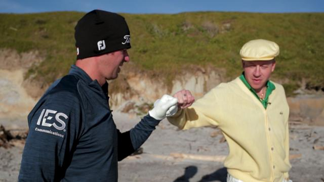 Lanto Griffin shows Macklemore how to escape the sand at Pebble Beach