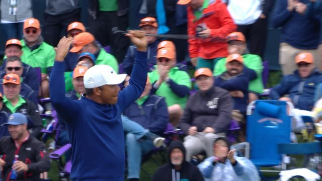 Jhonattan Vegas drains 70-foot putt on No. 17 at THE PLAYERS