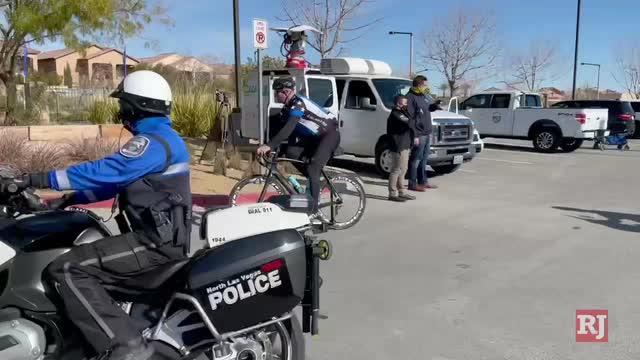 拉斯维加斯评论杂志体育|'3-foot rule'适用于在多机构工作中被强制执行的骑自行车者