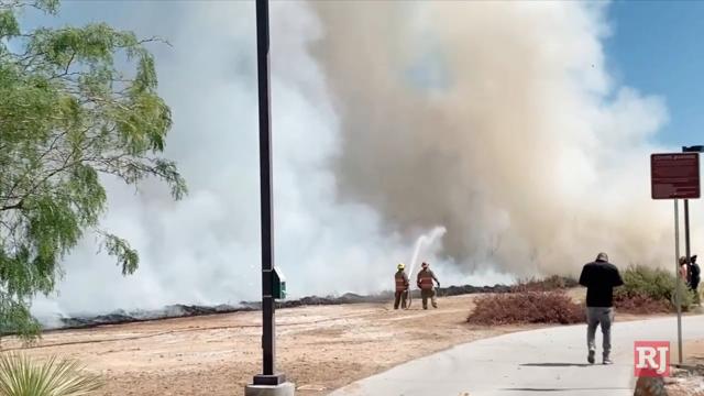 拉斯维加斯评论期刊新闻 刷火在日落公园